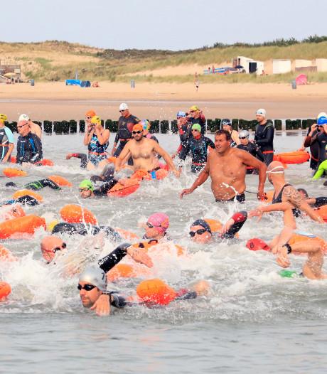 Jongelingen domineren eerste editie Zwarte Polder Zwemtocht