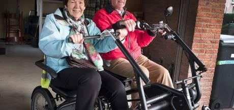 Duofiets is populair in Molenhoek: Veertig ritjes binnen twee maanden