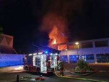 Appartementen en supermarkt in Veenendaal beschadigd na uitslaande brand