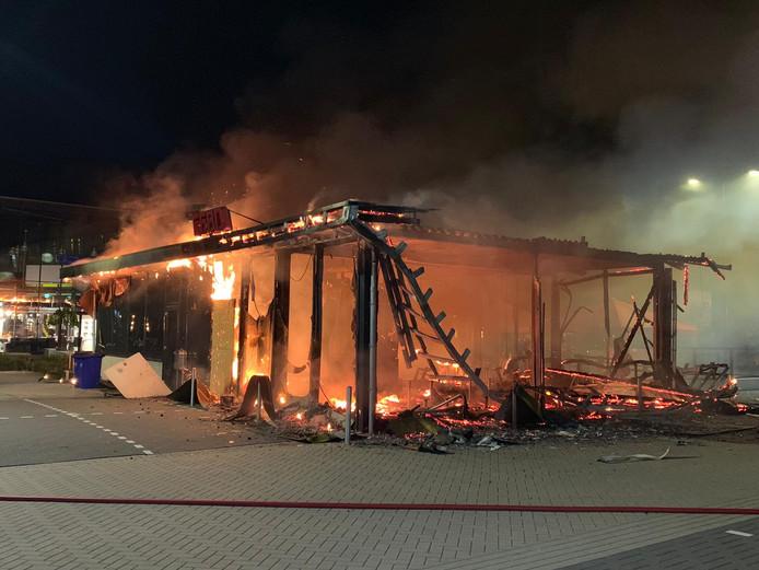 De brand bij de Febo is mogelijk aangestoken.