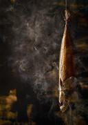 De foto 'Gerookte Makreel' was goed voor een eerste prijs op de 'Pink Lady Food Photographer Of The Year'-awards in 2017 in Londen. De Oeselgemse makreel haalde toen zelfs de Britse kranten.