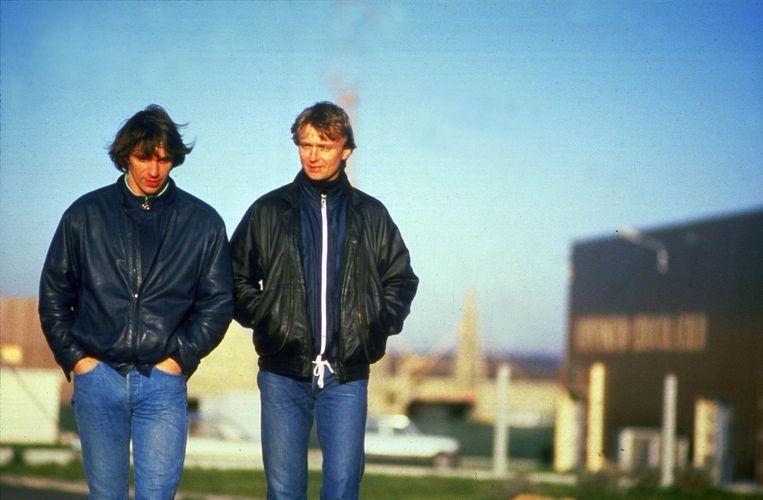 Willem Holleeder (l) en Cor van Hout kort na de ontvoering van Heineken. Beeld anp