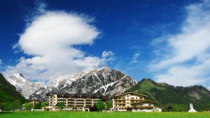 """Duitse toerist aangeklaagd nadat hij kritische review schreef over portret van """"nazigrootvader"""" in hotel"""