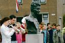 In Hardenberg/Heemse is ieder jaar de herdenking van de bevrijding bij het monument dat herinnert aan verzetsstrijder Frits de Zwerver