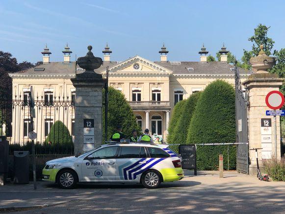 De politie heeft het park afgesloten.