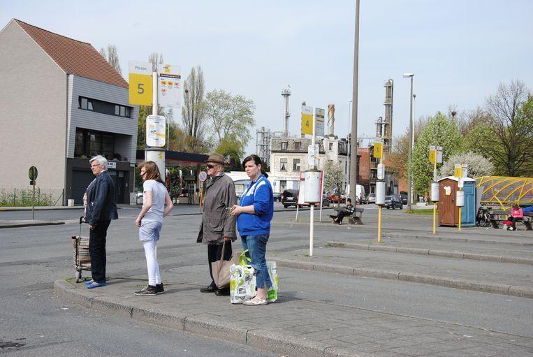 Reizigers moeten tijdens de week overstappen om van Terneuzen tot in Gent te geraken.