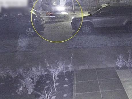 Politie: wie sloeg fietser (22) tegen achterhoofd met drankfles in Hoogland?