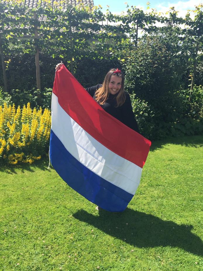 Rachel Nieuwenhuijze uit Middelburg (vmbo):  Deze kanjer is geslaagd zo trots op haar,ze heeft er hard voor gewerkt en nu dikverdiende MAVO diploma op zak. Op naar een mooie opleiding op MBO!  Miranda Nieuwenhuijze