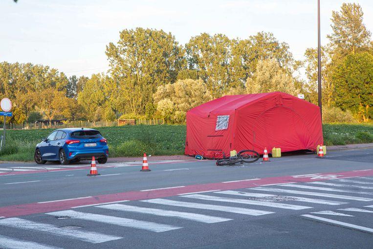 De bestuurder van de speed pedelec werd aangereden toen hij linksaf richting Albert Denystraat draaide.
