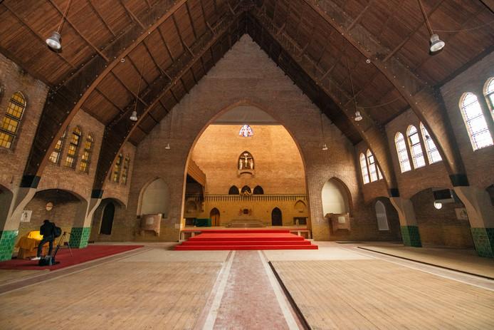 Achterin de kerk is het priesterkoor