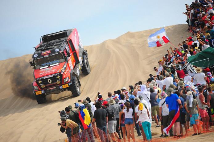 Martin van den Brink in de eerste etappe van de Dakar Rally 2018.