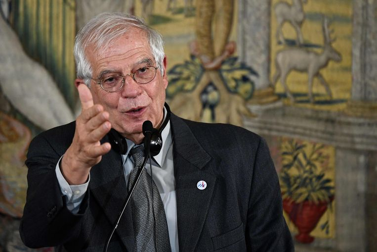 De Europese hoge vertegenwoordiger voor buitenlandse zaken, Josep Borrell, tijdens een persconferentie in Brussel.  Beeld AFP