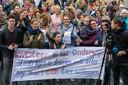 Protestbijeenkomst van vooral stakende leerkrachten op de markt in Den Bosch.