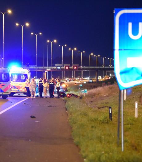 Motorrijder (47) uit Hoogland in kritieke toestand na ongeluk op A28