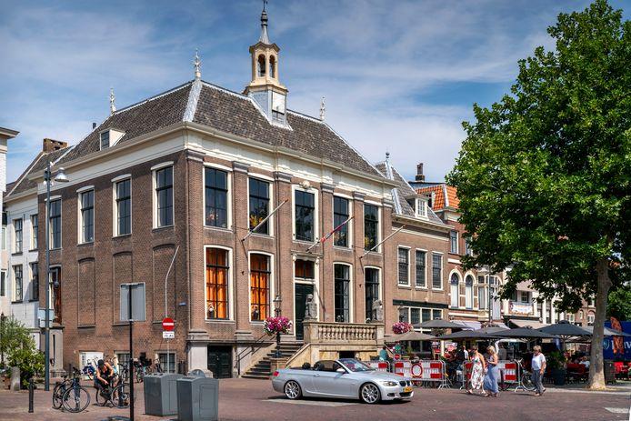 Het oude stadhuis op de Markt in Zaltbommel.