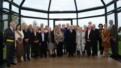 Elf koppels vieren huwelijksjubileum in gemeentehuis