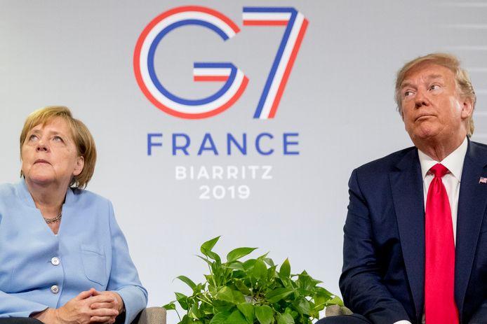 Donald Trump somde tijdens een onderhoud met bondskanselier Merkel op de G7 in Biarritz alle troeven  op.