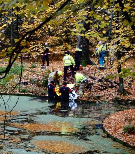 Lichaam gevonden in vijver in Arnhems park, politie doet onderzoek
