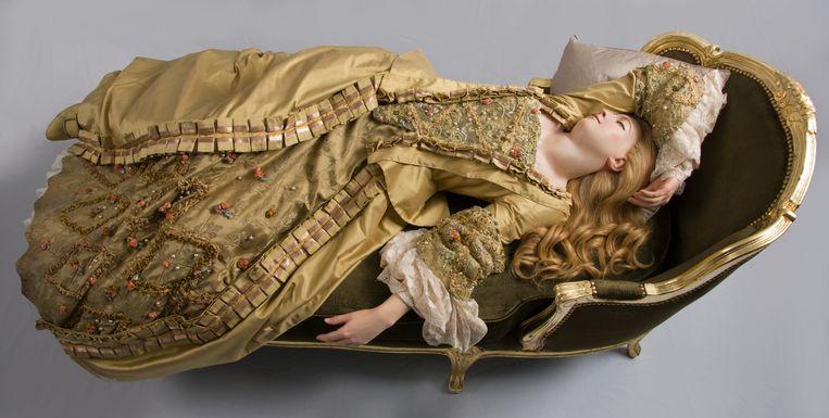 Reproductie (1989) van Sleeping Beauty (1765) door Philippe Curtius. Beeld Madame Tussauds, Londen