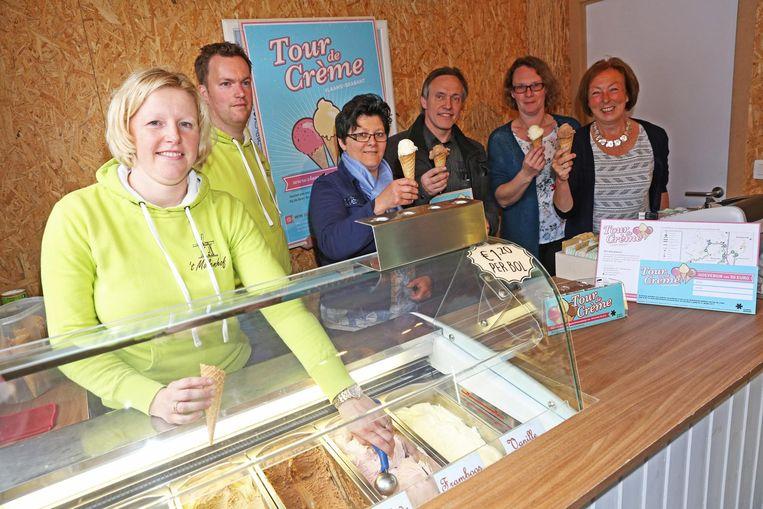 De ijsjesproducenten gaven het startschot van Tour de Crème in het Molenhof in Merchtem.