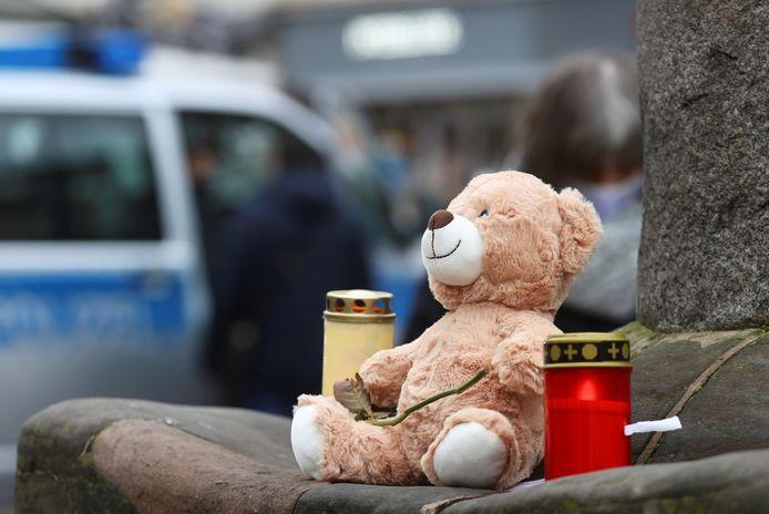 Cinq personnes, dont un bébé de neuf semaines, ont perdu la vie mardi après avoir été fauchées par une voiture dans une zone piétonne à Trèves, en Allemagne