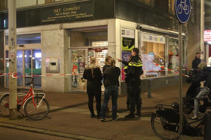 Onderzoek van de politie na de steekpartij aan het Hobbemaplein.