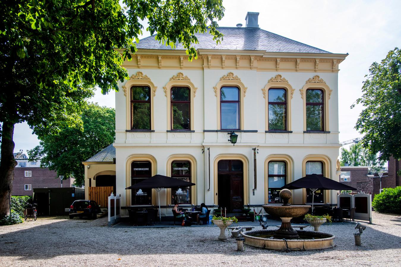 Villa de Vier Jaargetijden is met zijn 1,9 miljoen euro het duurste te koop staande pand van de binnenstad