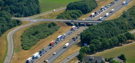Weg tussen Holten en Markelo en afrit van A1 gaan drie weken op slot