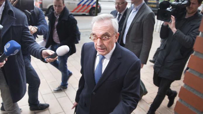 Oud-wethouder Jos van Rey arriveert bij de rechtbank in Rotterdam voor de inhoudelijke behandeling van zijn strafzaak.