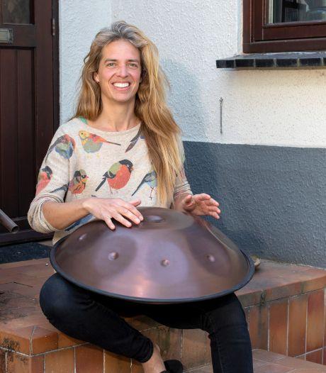 Percussionist Clara de Mik: 'Het zou mijn eerste Pinkpop zijn geweest, samen met mijn zussen! Echt balen'