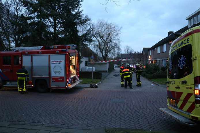 Cellostraat in Etten-Leur werd afgezet en huizen ontruimd op 15 december 2015