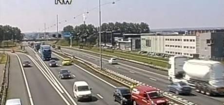 A12 bij Duiven weer vrijgegeven na kop-staartbotsing
