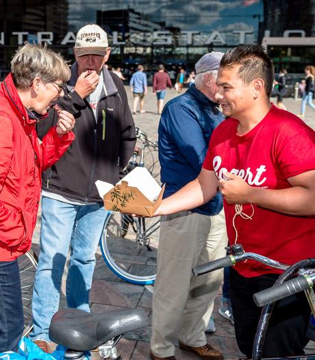 Fietsen langs snacks in de stad: 'Wat lekker, zeg'