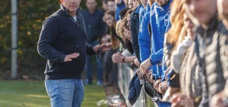 Spelers en bestuur van Zwolsche Boys en ZAC springen tussen de knokkende fans: 'Bizar, die boosheid'
