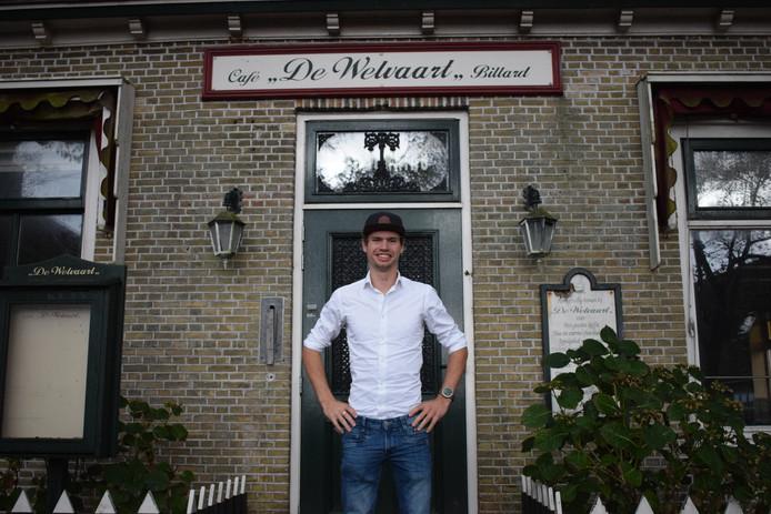 Taco Zandbergen voor Café De Welvaart op Ameland.