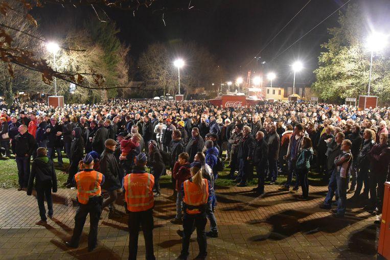 Door de verhoogde terreurdreiging waren er heel wat agenten op en rond het parcours aanwezig om de massa toeschouwers in de gaten te houden.
