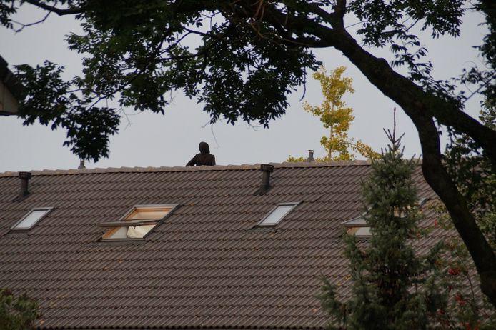 Verwarde man op het dak in Drunen.