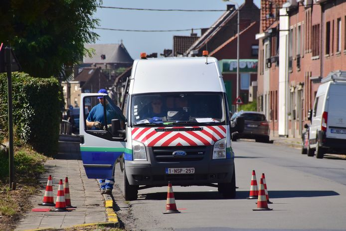 De breuk in de Gullegemstraat was tegen 11 uur hersteld door medewerkers van De Watergroep.