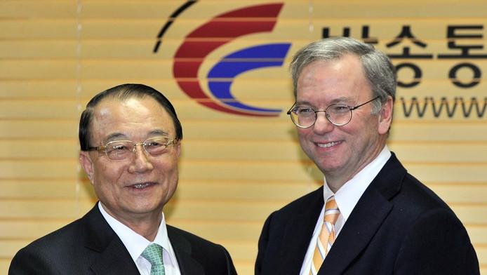 Eric Schmidt et Choi See-Joong, président de la Commission coréenne des communications