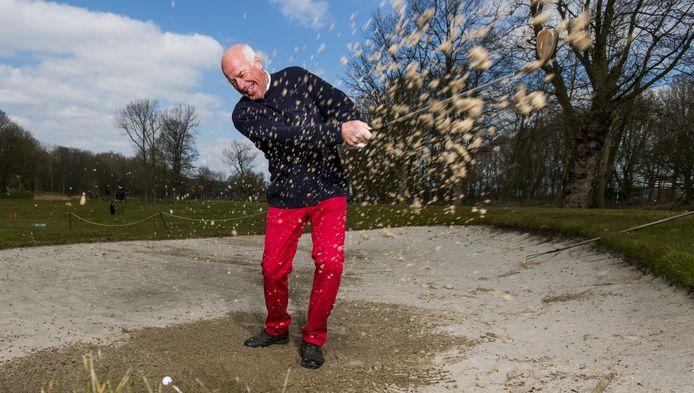 Rob van Weenen is dol op zijn rode broeken.