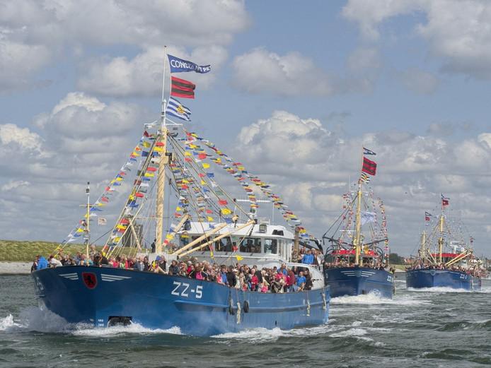 Vlootschouw en ophalen van Neptunus uit zee tijdens de Havendagen Zierikzee in 2014.