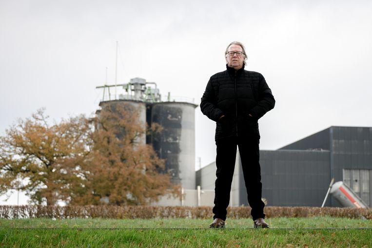René de Vries bij het bedrijf Eternit, waar zijn vader werkte.  Beeld Bram Petraeus