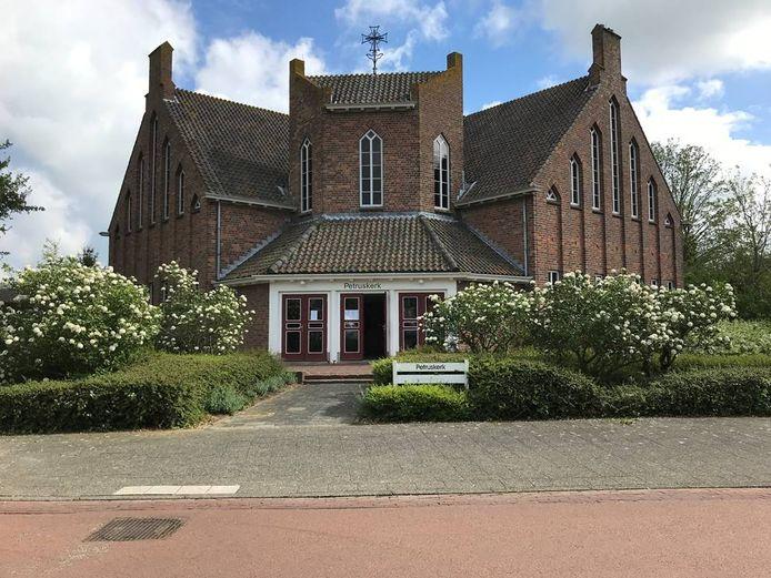 De Petruskerk in Serooskerke.