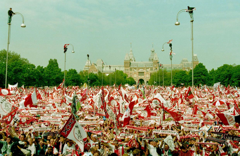 25 mei 1995: Ajax wordt gehuldigd op het Museumplein na het winnen van de Champions League.