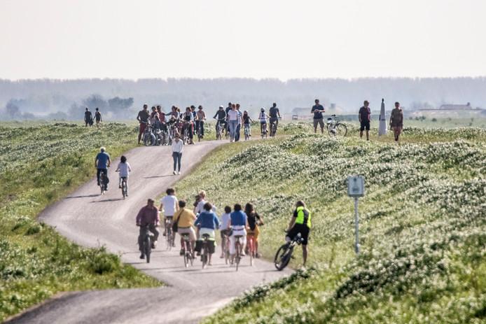 De gemeente Sluis trekt veel toeristen die er komen fietsen en wandelen.