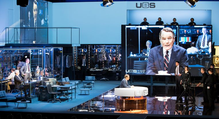 Network met Bryan Cranston, geregisseerd door Ivo van Hove. Beeld Jan Versweyveld