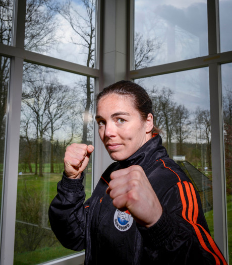 Betrian en Fontijn naar halve finales op WK boksen en zeker van brons