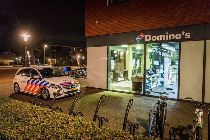 Politie was oktober vorig jaar snel ter plekke na een overval op een Domino's in Eindhoven. De dader sloeg de maand erop nogmaals toe, nu in een Aldi.