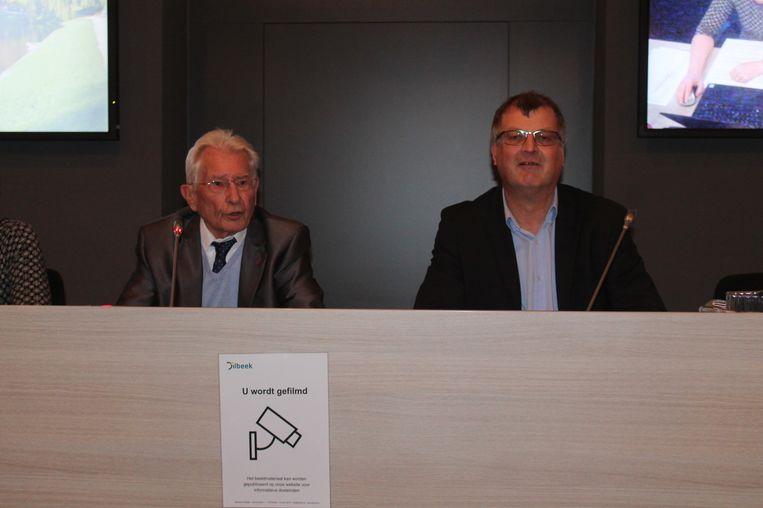 Ere-burgemeester Stefaan Platteau (links) wordt voor een jaar gemeenteraadsvoorzitter. Willy Segers (rechts) blijft de komende zes jaar burgemeester.