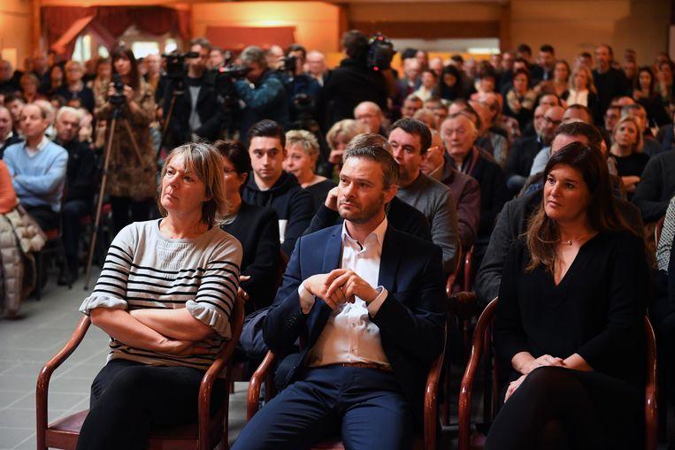 Huidig burgemeester Tania Roskams en wellicht voormalig toekomstig burgemeester Davy Suffeleers zaten op de eerste rij.